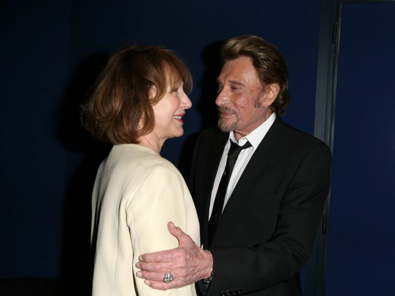 Nathalie Baye : Cette photo avec Johnny Hallyday qui divise !