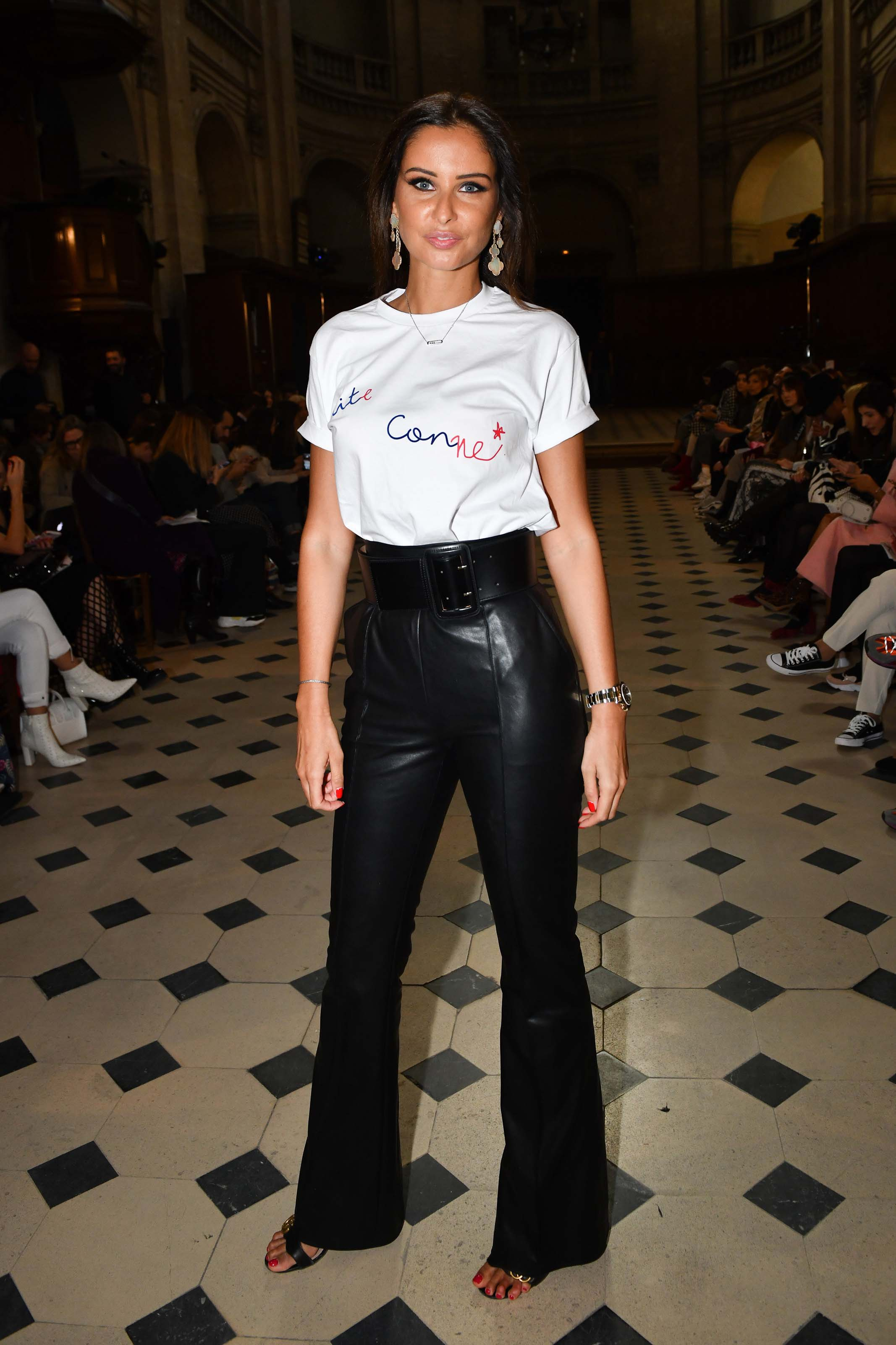 Melika menard lors de la fashion de la week